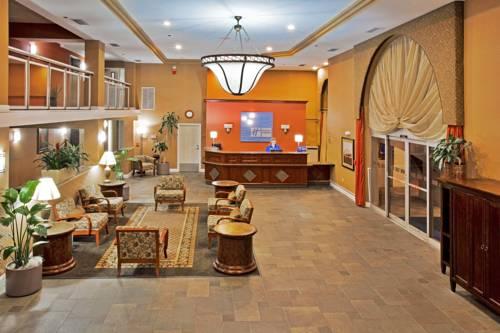Holiday Inn Express Hotel & Suites Bradenton West in Bradenton FL 08