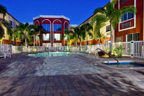 Holiday Inn Express Hotel & Suites Bradenton West in Bradenton FL 25