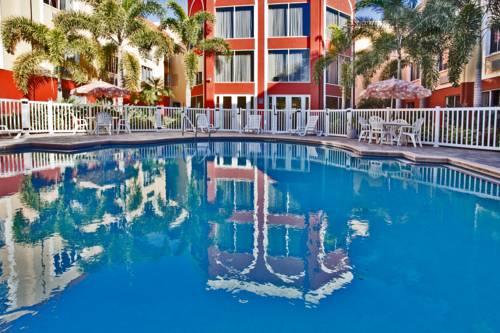 Holiday Inn Express Hotel & Suites Bradenton West in Bradenton FL 26