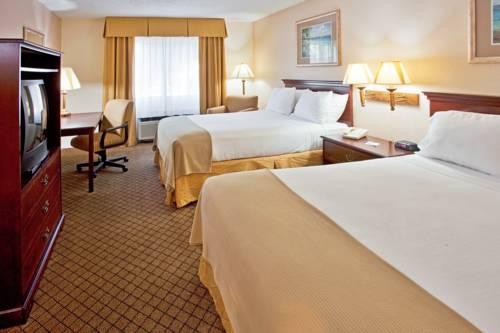 Holiday Inn Express Hotel & Suites Bradenton West in Bradenton FL 91