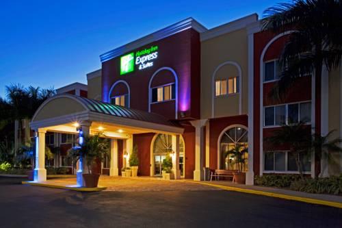 Holiday Inn Express Hotel & Suites Bradenton West in Bradenton FL 95