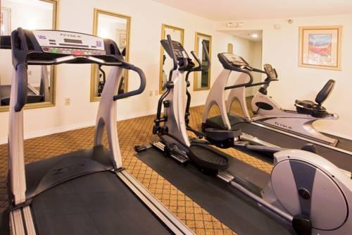 Holiday Inn Express Hotel & Suites Bradenton West in Bradenton FL 05