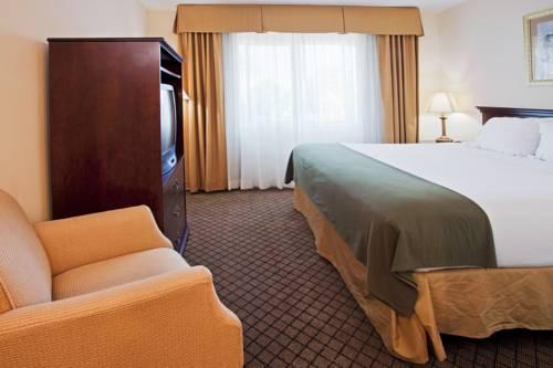 Holiday Inn Express Hotel & Suites Bradenton West in Bradenton FL 11
