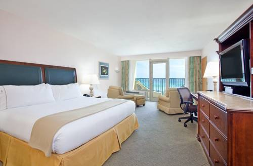 Holiday Inn Express Pensacola Beach in Gulf Breeze FL 23