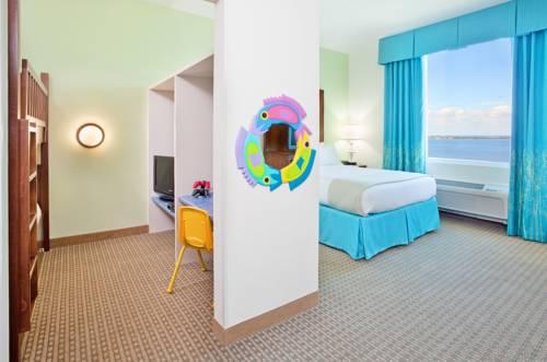 Holiday Inn Resort Pensacola Beach Gulf Front in Gulf Breeze FL 02