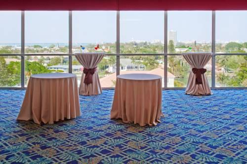 Holiday Inn Sarasota-Lido Beach in Sarasota FL 40