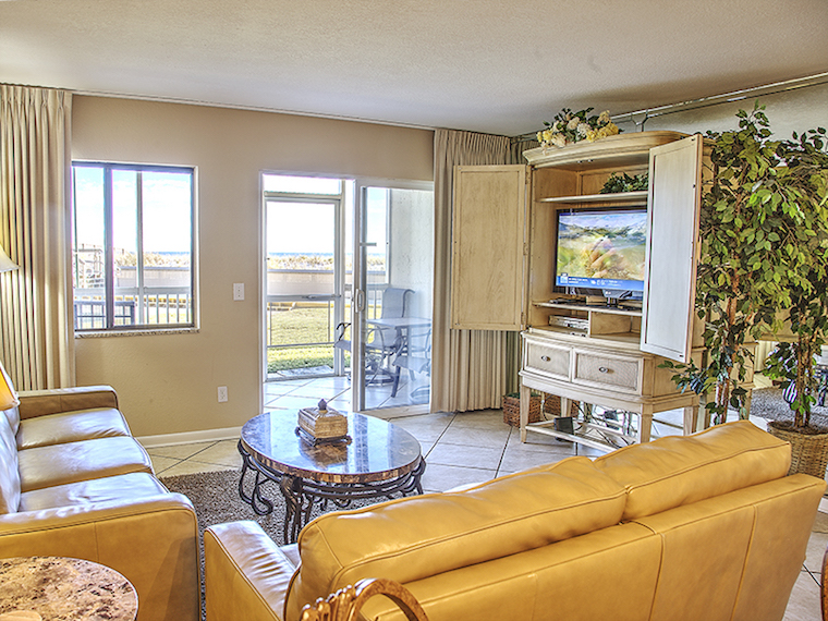 Holiday Surf & Racquet Club 103 Condo rental in Holiday Surf & Racquet Club in Destin Florida - #9