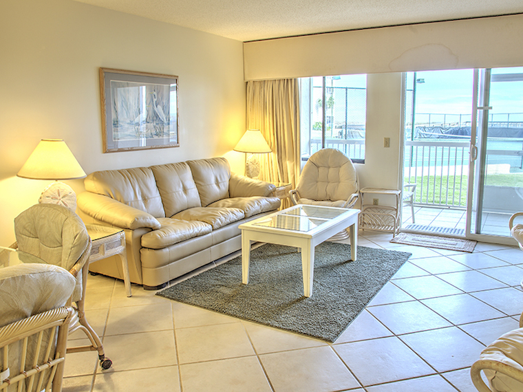 Holiday Surf & Racquet Club 106 Condo rental in Holiday Surf & Racquet Club in Destin Florida - #10