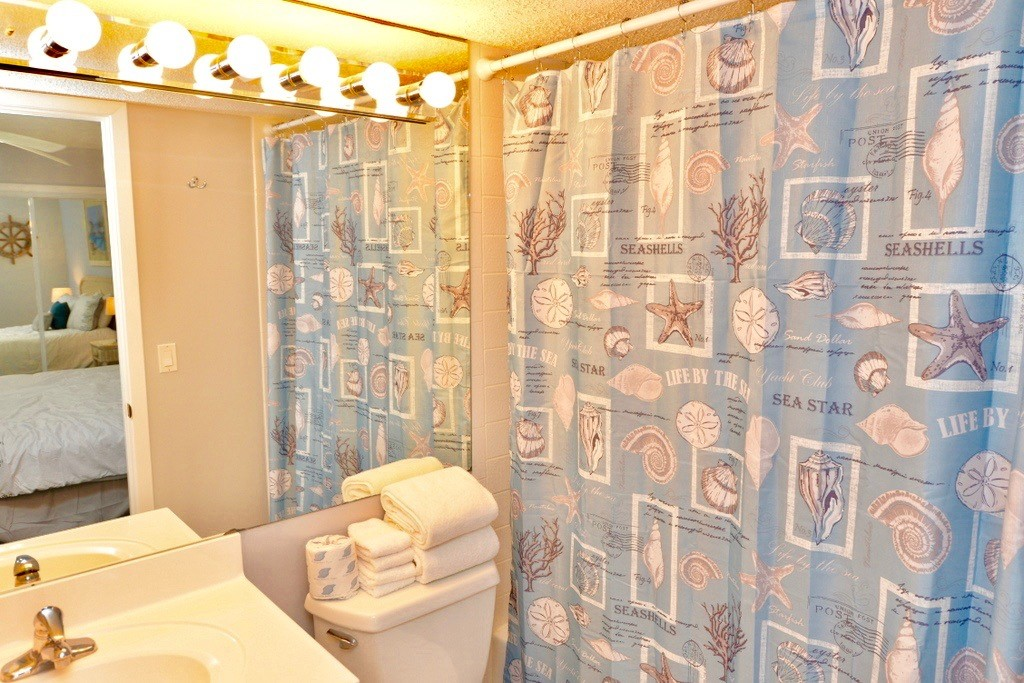 Holiday Surf & Racquet Club 112 Condo rental in Holiday Surf & Racquet Club in Destin Florida - #10