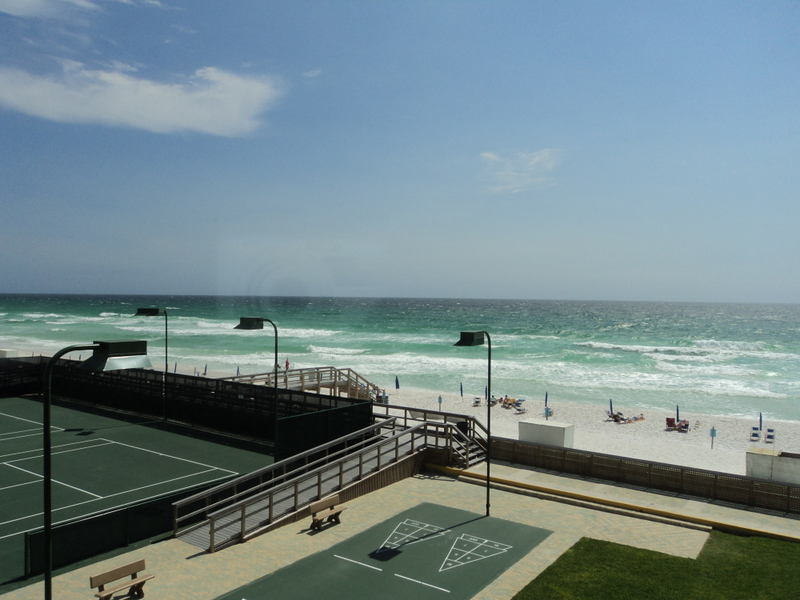 Holiday Surf & Racquet Club 304