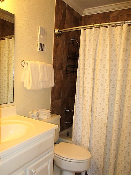 Holiday Surf & Racquet Club 318 Condo rental in Holiday Surf & Racquet Club in Destin Florida - #23
