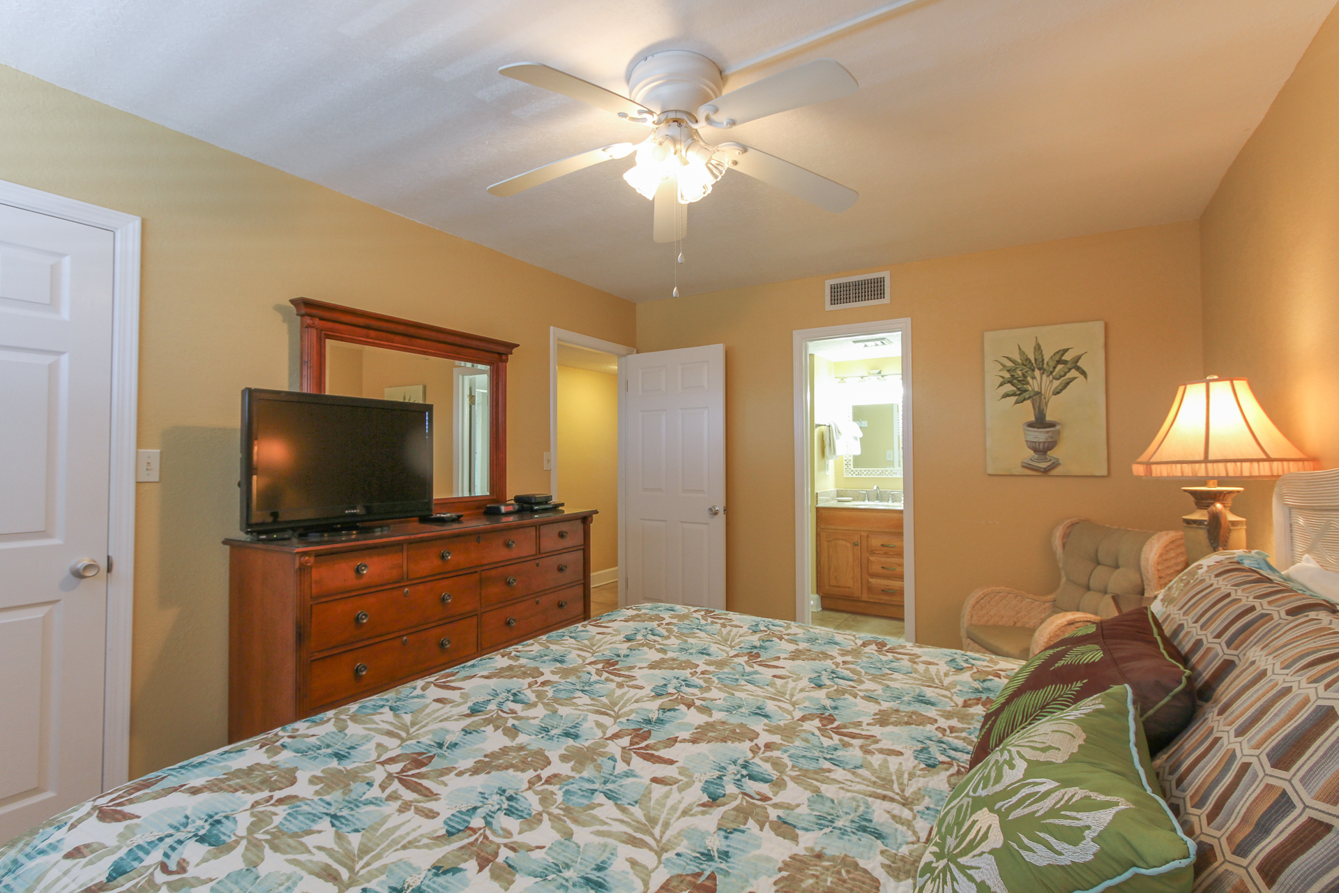 Holiday Surf & Racquet Club 319 Condo rental in Holiday Surf & Racquet Club in Destin Florida - #12