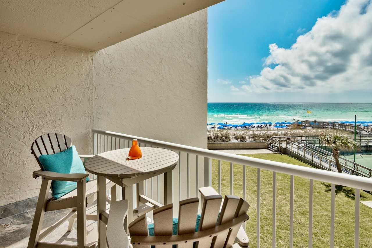 Holiday Surf & Racquet Club 321 Condo rental in Holiday Surf & Racquet Club in Destin Florida - #1