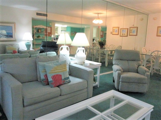 Holiday Surf & Racquet Club 414 Condo rental in Holiday Surf & Racquet Club in Destin Florida - #7