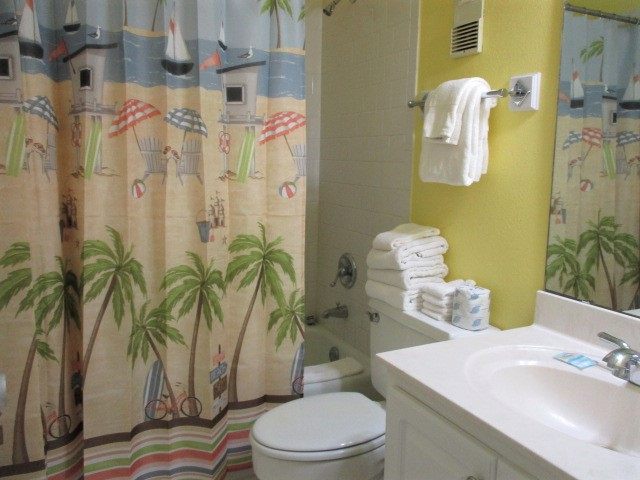 Holiday Surf & Racquet Club 414 Condo rental in Holiday Surf & Racquet Club in Destin Florida - #33