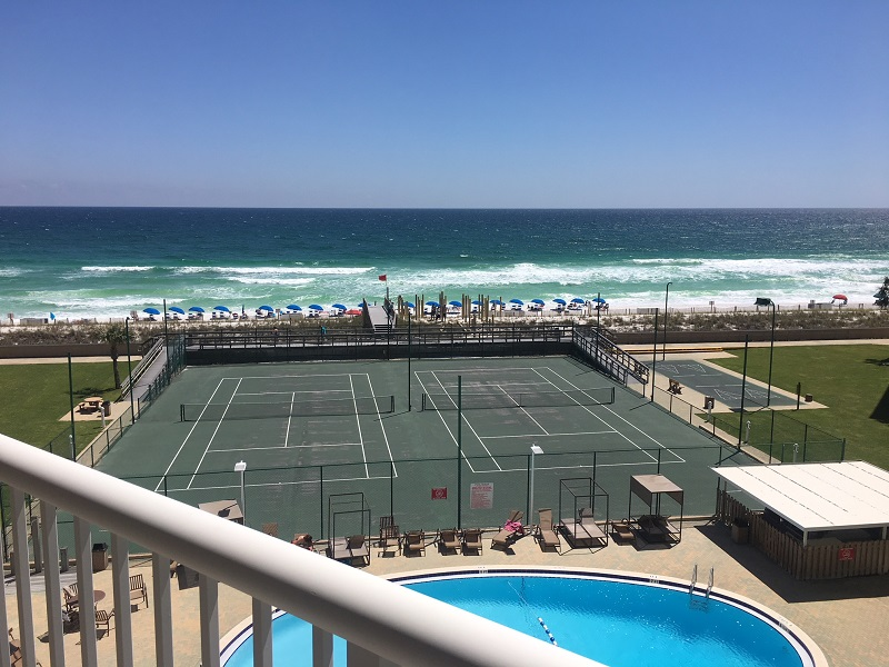 Holiday Surf & Racquet Club 514