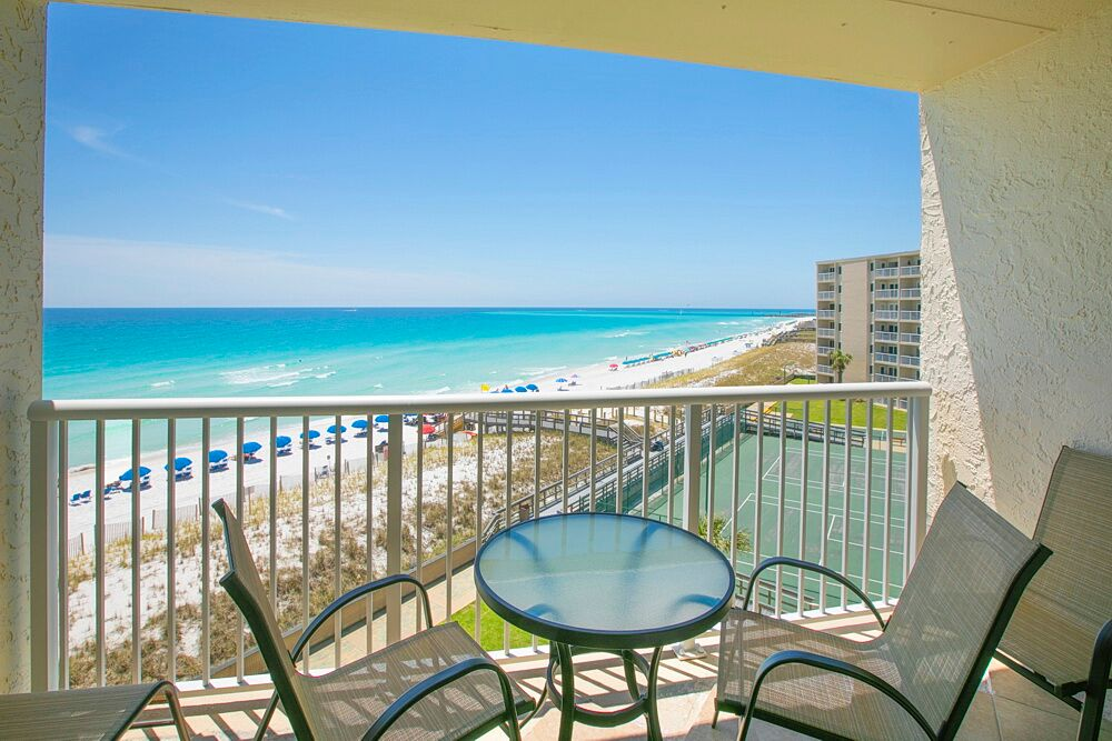 Holiday Surf & Racquet Club 523 Condo rental in Holiday Surf & Racquet Club in Destin Florida - #1