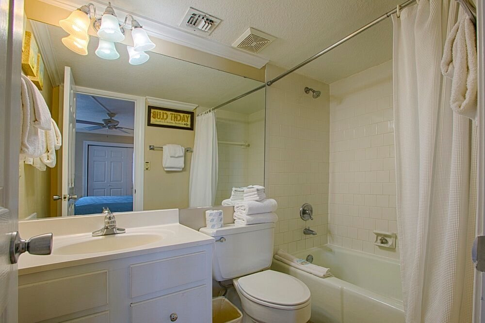 Holiday Surf & Racquet Club 523 Condo rental in Holiday Surf & Racquet Club in Destin Florida - #15