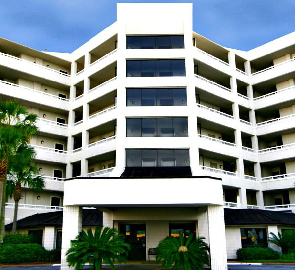 The front of the club at Inlet Reef Club Condominiums in Destin Florida