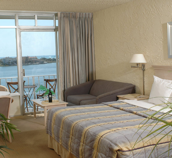 A bedroom at the Inn on Destin Harbor  in Destin Florida