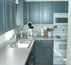 ully equipped kitchen at Isla Blanca Townhomes in Destin Florida