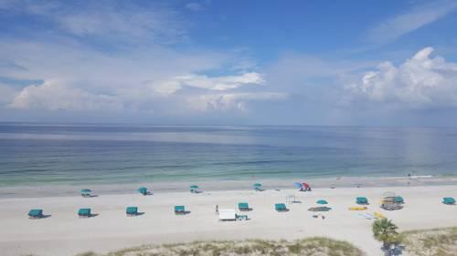 Island Inn Beach Resort in Treasure Island FL 01