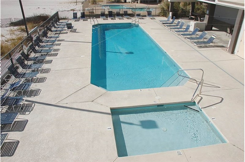 Spacious pool area at Island Winds West in Gulf Shores Alabama