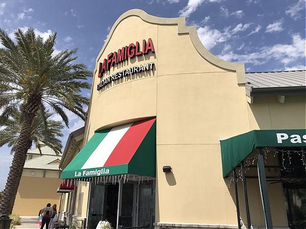 La Famiglia Italian Ristorante & Pizza in Destin Florida