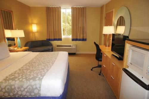 La Quinta Inn & Suites Sarasota in Sarasota FL 92