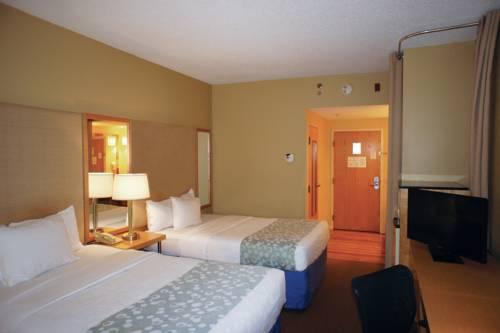 La Quinta Inn & Suites Sarasota in Sarasota FL 66