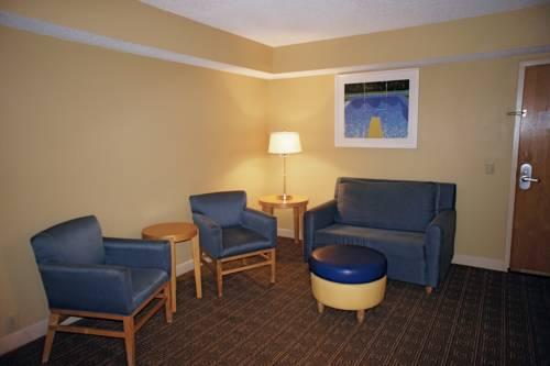 La Quinta Inn & Suites Sarasota in Sarasota FL 73