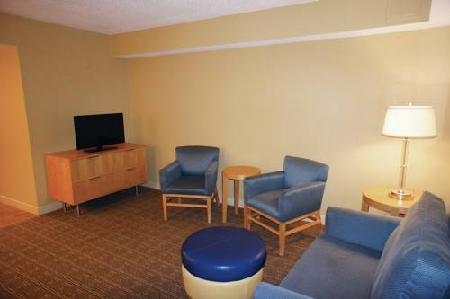 La Quinta Inn & Suites Sarasota in Sarasota FL 74