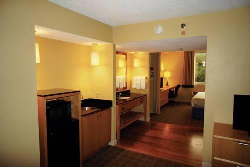 La Quinta Inn & Suites Sarasota in Sarasota FL 75