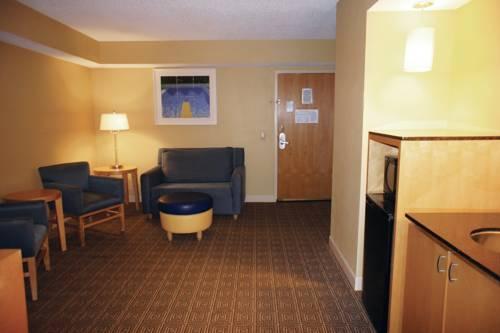 La Quinta Inn & Suites Sarasota in Sarasota FL 76