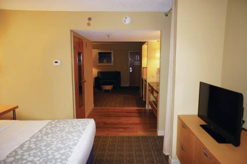 La Quinta Inn & Suites Sarasota in Sarasota FL 77