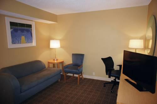 La Quinta Inn & Suites Sarasota in Sarasota FL 78