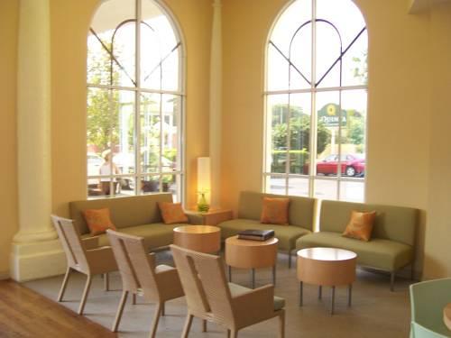 La Quinta Inn & Suites Sarasota in Sarasota FL 84