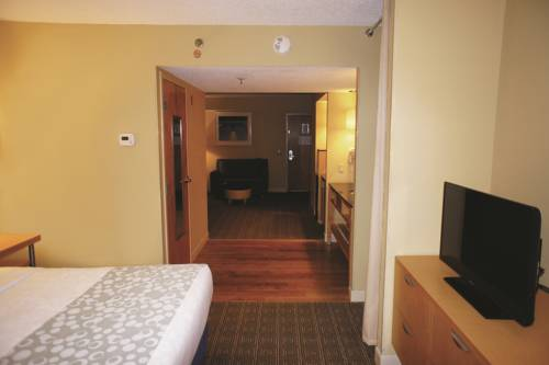 La Quinta Inn & Suites Sarasota in Sarasota FL 34
