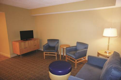 La Quinta Inn & Suites Sarasota in Sarasota FL 35
