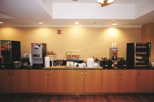 La Quinta Inn & Suites Sarasota in Sarasota FL 39
