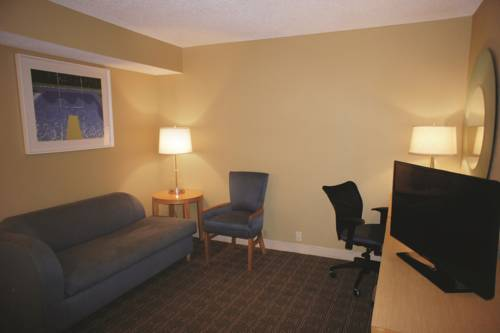 La Quinta Inn & Suites Sarasota in Sarasota FL 41