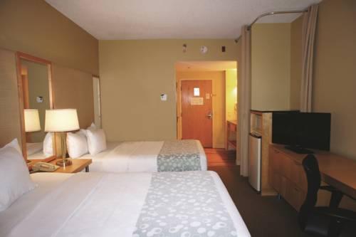La Quinta Inn & Suites Sarasota in Sarasota FL 48