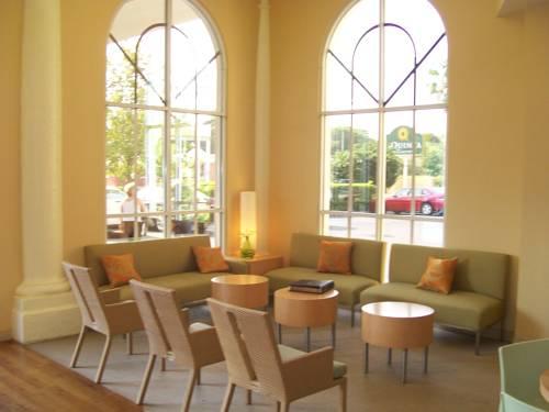 La Quinta Inn & Suites Sarasota in Sarasota FL 03