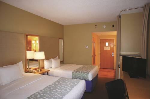La Quinta Inn & Suites Sarasota in Sarasota FL 16