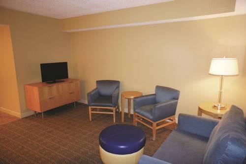 La Quinta Inn & Suites Sarasota in Sarasota FL 19