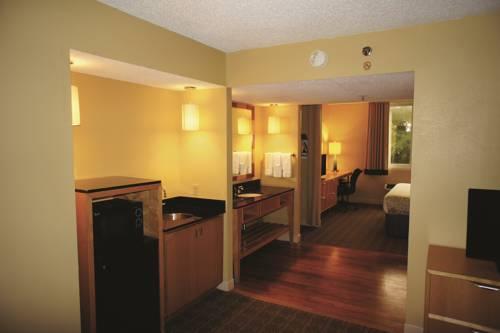 La Quinta Inn & Suites Sarasota in Sarasota FL 27
