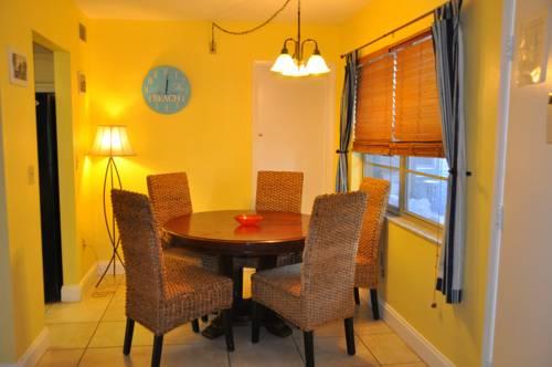 Lido Islander Inn and Suites - Sarasota in Sarasota FL 71