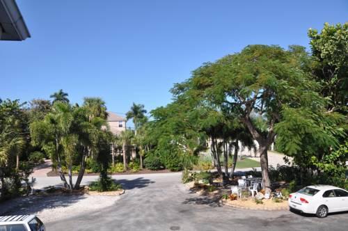 Lido Islander Inn and Suites - Sarasota in Sarasota FL 98