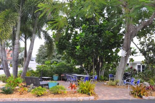 Lido Islander Inn and Suites - Sarasota in Sarasota FL 99