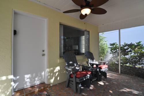 Lido Islander Inn And Suites - Sarasota in Sarasota FL 66